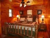 Private and Secluded Log Cabin in the Smokies