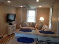 1BR SEASIDE COTTAGE: 1 1/4 BLKS BEACH/BOARDWALK