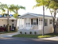 One Bedroom Cottage in North Lake Estates RV Resort