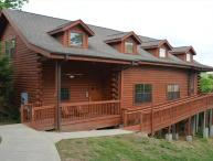 Luxury 5 bed Loft Cabin - Best in Town!