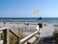 Beachfront. Sleeps 6. Low Floor. Great View! April 28 to May 18 - 20% Discount!!