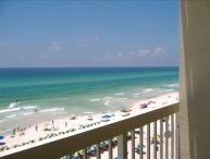 Beachfront. Sleeps 6  Low Floor. Great View. July 29-Aug. 25 - $150/wk Discount!