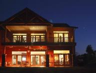 Luxurious StaySpa Resort on Castle Rock Lake