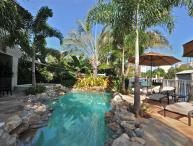 Villa Isles , Private Beach, Luxury 4 BR Waterfront Home!