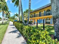 Le Monaco Condo in Olde Naples *Weekly by 5th Ave*