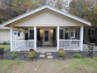 7 B/R Pool Lodge across street from Dollywood/Private heated pool