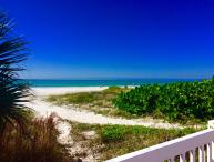 """Shore to Please"" w/ 30'  balcony Gulf view!  WiFi"