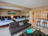STEPS TO WAIKIKI BEACH Ilikai Hotel sleeps 5