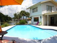 Dolphins Bay to Gulf Gilligan's Island House 2 masters, Pool, Golf, Fish, Relax
