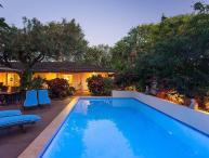 Blue Lotus Villa -family pool, near  Baldwin Beach Park, has AC, close to shops!