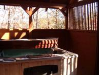 Faith log cabin with free Wi-Fi close to Dollywood