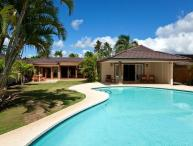 Kahala Tropical Oasis - w/ Heated Pool, AC, BBQ