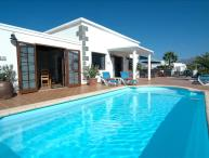 Great 4 bed villa in Playa Blanca with Private Pool & Wifi -  LVC200842