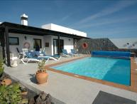 Delightful 2 bed villa, Private Pool, WiFi, 5 minutes from the sea - LVC200843