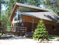 2 Bedroom cabin with loft - sleeps 6-8