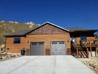 Beautiful, new construction in Deadwood with great