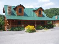 PAPA BEAR LODGE* 6 BR 6 BA * Close to Attractions!