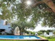 4 bedroom Villa with Pool - 5698491