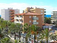 2 bedroom Apartment with Air Con, WiFi and Walk to Beach & Shops - 5044080