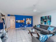 Luminous 1 Bedroom Apartment at Isla Verde