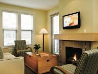 Osoyoos Walnut Beach 1 Bedroom Mountain View Suite