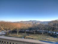 5BR atop Beech Mountain with Long Range, Panoramic Views, King Suite, Jetted Tub, Full Kitchen, Wall of Windows