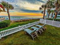 Surfin Sea:5 Bedroom BEACH FRONT, Carriage House with Private Pool! Pet Friendly