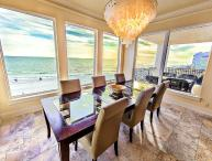 Lune Lac, Beach Front Elevator, Private Splash Pool and Private Beach Access!