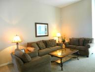 Comfortable 4BR 3Bh Home w/Private Pool, Spa and Gameroom 20 minutes to Legoland