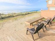 Craftsman-Style Oceanfront Beauty Sleeps 8!