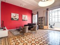 Barcelona Apartment at Plaza Catalunya near Las Ramblas - Juliana