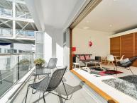 Sunny One Bedroom Apartment on Princes Wharf, Auckland