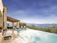 06.389 - Beautiful villa w...