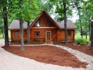 2 Master Suite All Wood Cabin nearBranson SPECIALS