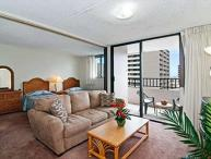 Royal Kuhio Condo with Full Kitchen and Parking