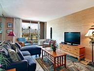 Comfortable and Affordable Waikiki 2BR Condo