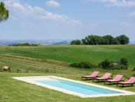 2 bedroom Villa in Buonconvento, The Crete Senesi, Tuscany, Italy : ref 2383084