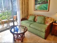 Waikiki Luana Studio Condo Centrally Located