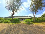 Paradise House - w/ AC, beachfront, w/ lanai