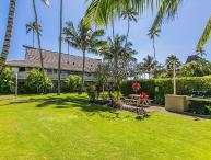 Plantation Hale Suites D2, Conveniently located in Kapaa town. AC in Unit.