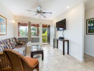 Village Manor D22, Coconut Grove Views, Walk to Kapaa Town & Beaches