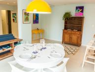 Colorful 2 Bedroom Apartment Nestled in Lagoa