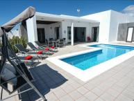 3 Bedroom Villa in Playa Blanca, Private Pool, Air Con in Lounge, WiFi LVC219283