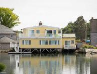 Luxury Waterfront 4 Bedrooms 3 Bathrooms Overlooking Dock Square!