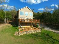 Secluded Lakeside Home w/HotTub, 20 min to Branson