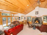Big Pine Tree Lodge - Beautiful 3 BR with Tahoe Park HOA and Hot Tub!!