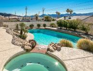 4bed/3bath home w/ breathtaking Pool & Jacuzzi
