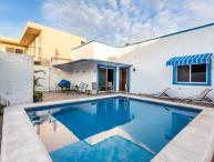 Casa Don Rosa II - Large Pool, Open Layout, Four Blocks to Ocean