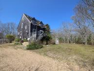 WONDERFUL EDGARTOWN VACATION HOME LOCATED CLOSE TO BIKE PATH, BEACH AND TOWN