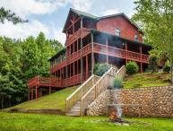 Carters Lake Lodge - Beautiful Custom Log Home